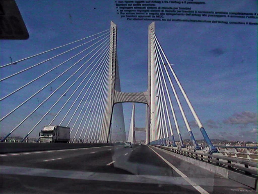 135 Ponte 25 de Abril,  Lisbona (2)