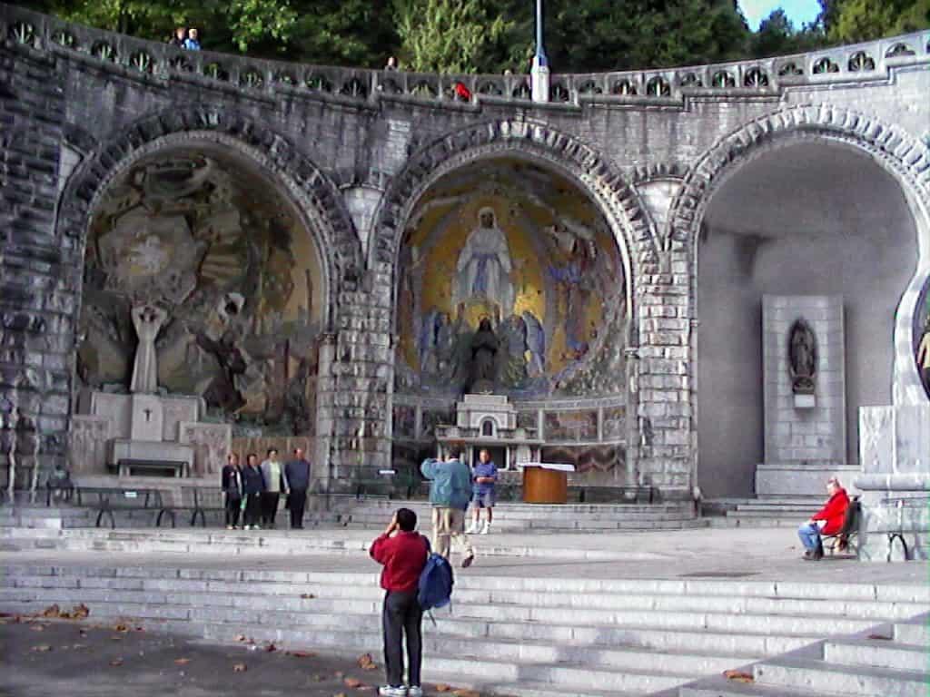 210 Lourdes